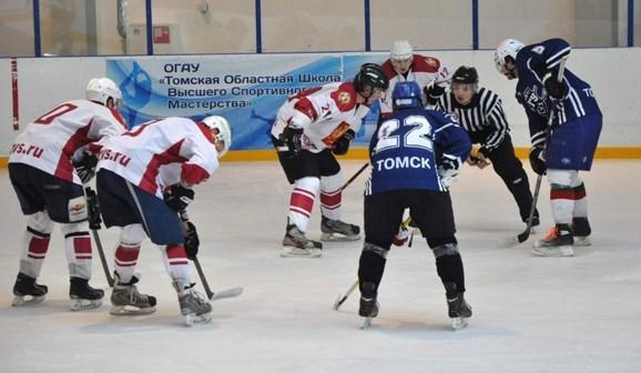 Проходит первый этап чемпионата России по хоккею для студентов