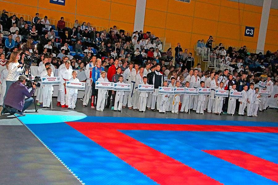 Томские каратисты успешно выступили на всероссийских соревнованиях